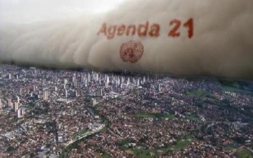agenda_21_rolls_over_America.jpg