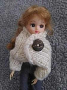 手編み服を着たリカちゃん人形