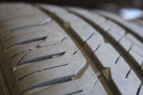 Set-of-four-Goodyear-Eagle-F1-Asymmetric-24540R20-95V-Tires-2454020-283228476711-4-1.jpg