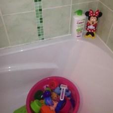 salle de bain jouets minnie
