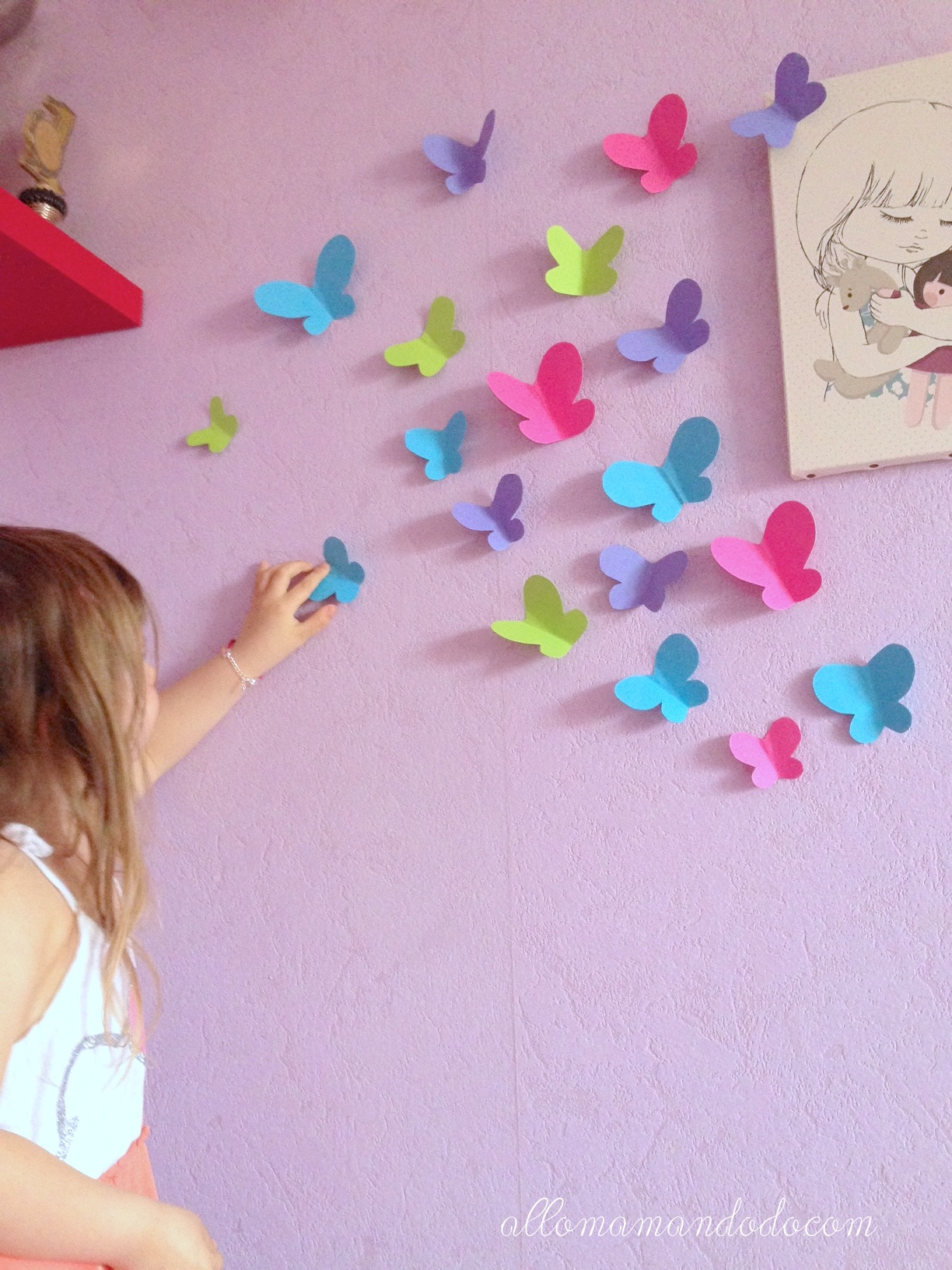 diy envol e de papillons en papier activit pour enfants d co murale allo maman dodo. Black Bedroom Furniture Sets. Home Design Ideas