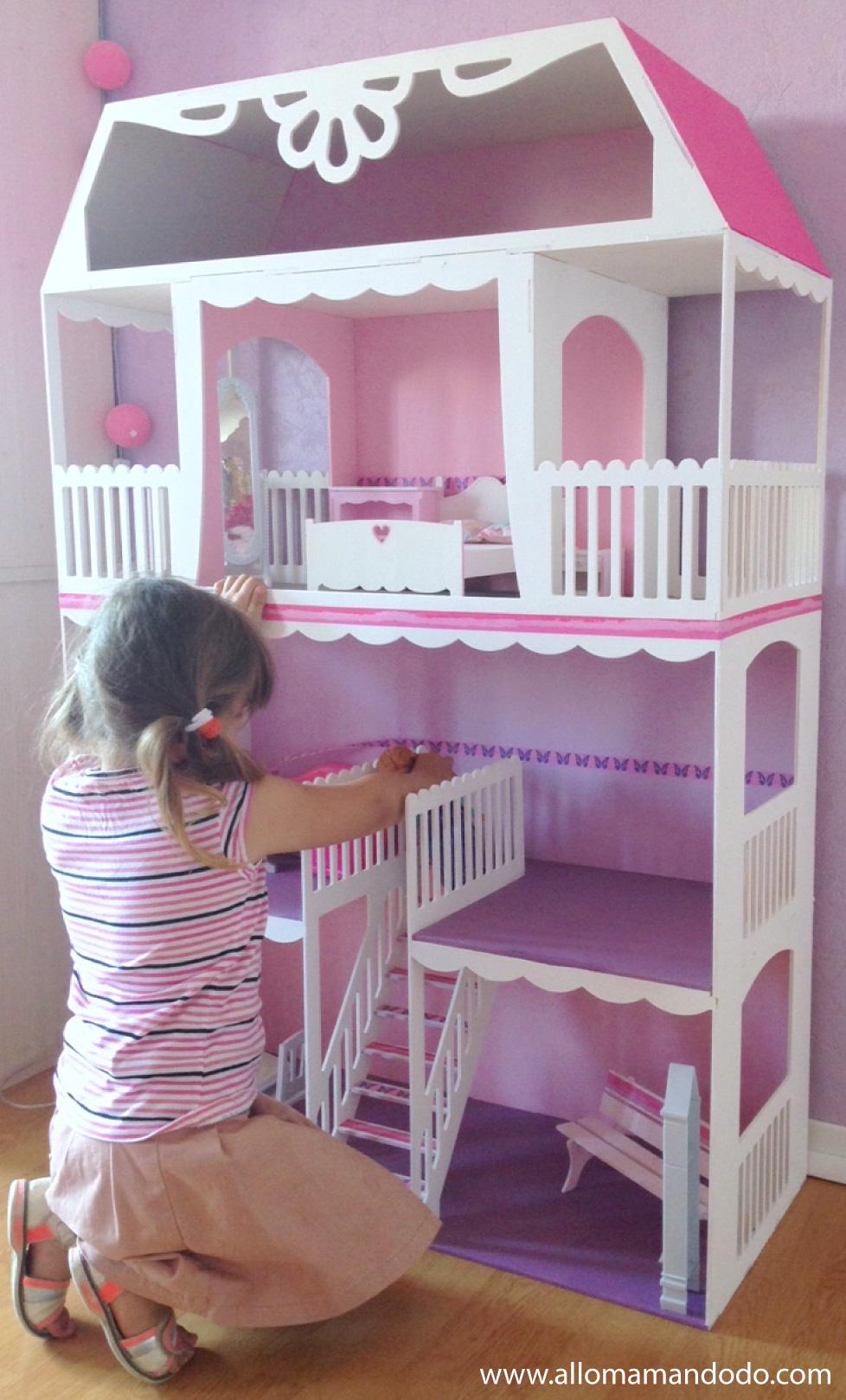 Sa maison de barbie personnaliser merci les kits mini for Accessoire maison barbie
