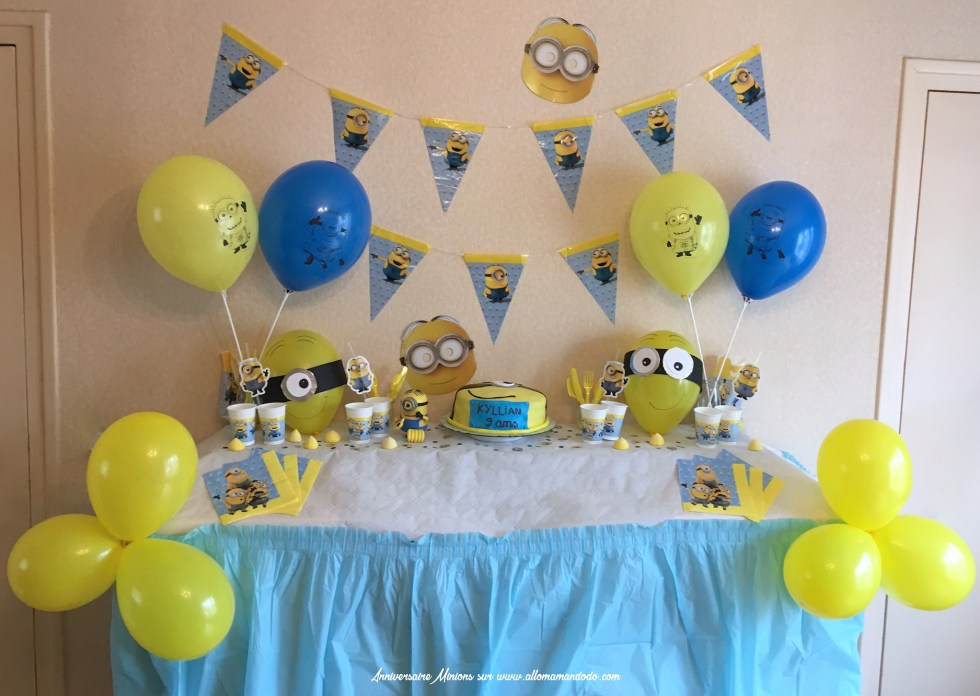 SWEET TABLE MINIONS