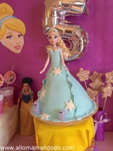 gateau reine des neiges sweet table