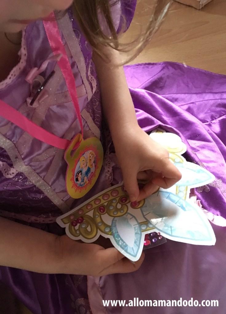 jeu decorer couronne anniversaire princesse