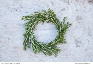 using extra herbs to make fresh smelling table decor (via)