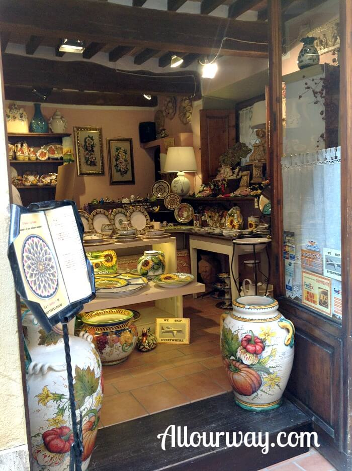 Mojolica, Faenza, pottery, Italy