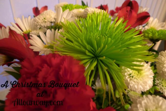 Christmas Bouquet for the dining room table @allourway.com