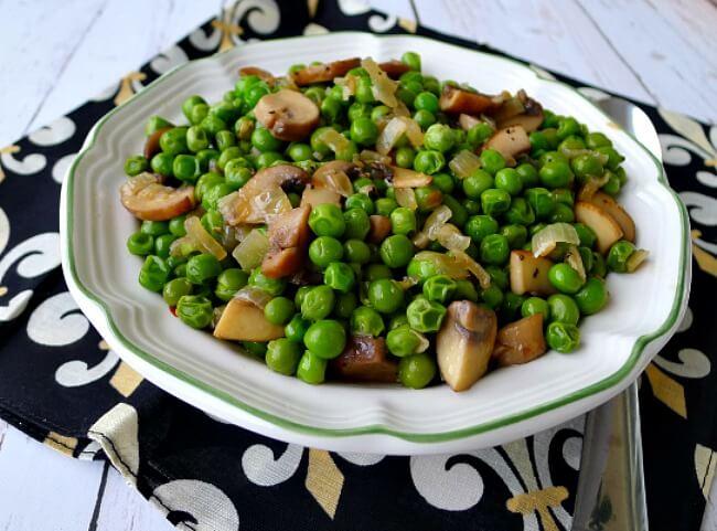 Italian peas with mushrooms, onions, garlic, and Tuscany seasoning @allourway.com