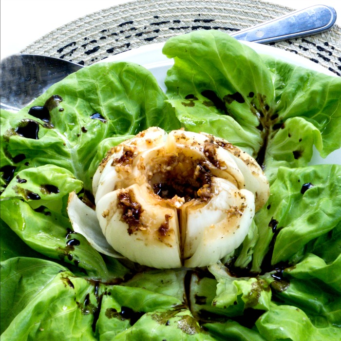 Garlic Roasted Vidalia Onions with Balsamic Glaze delicious and good for you @allourway.com