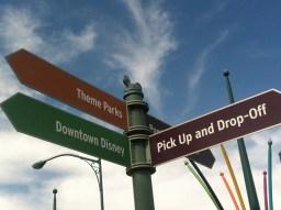 Disneyland_Signage