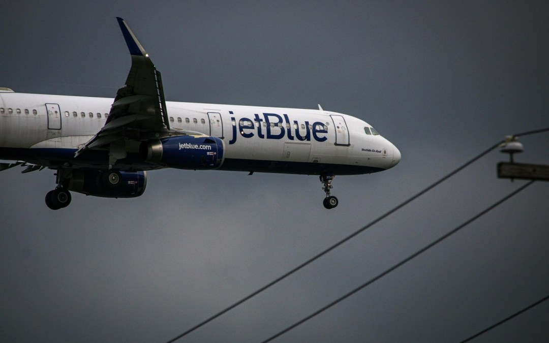 What is JetBlue's Pet Policy