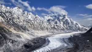 Drang Drung Glacier in India - Beautiful Nature Picture