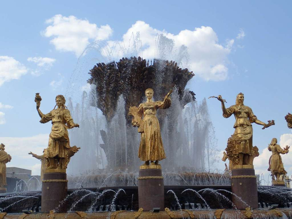 Golden statues of women – again representing the satellite states