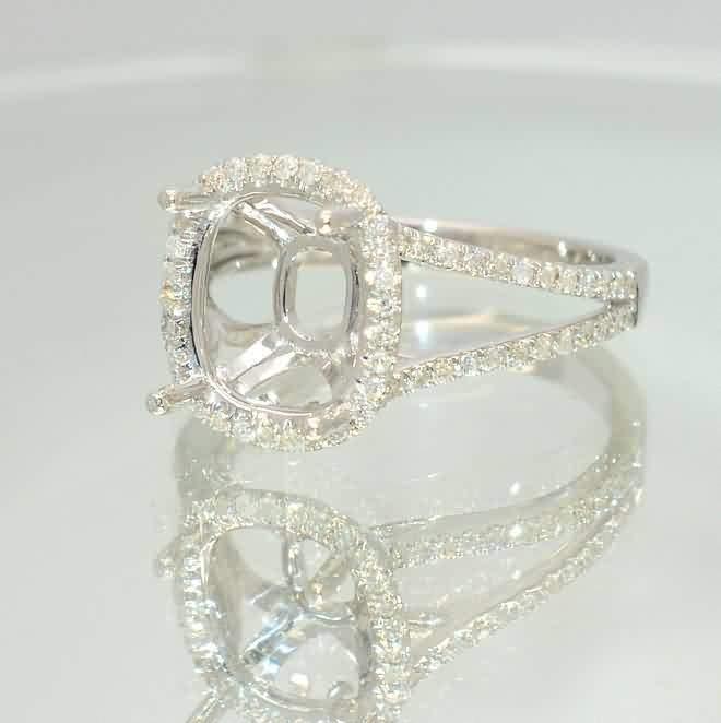 Split shank gold ring