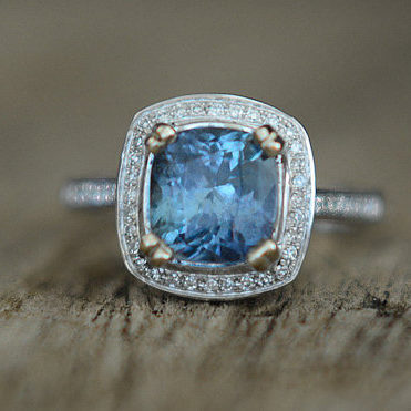 color change blue green sapphire