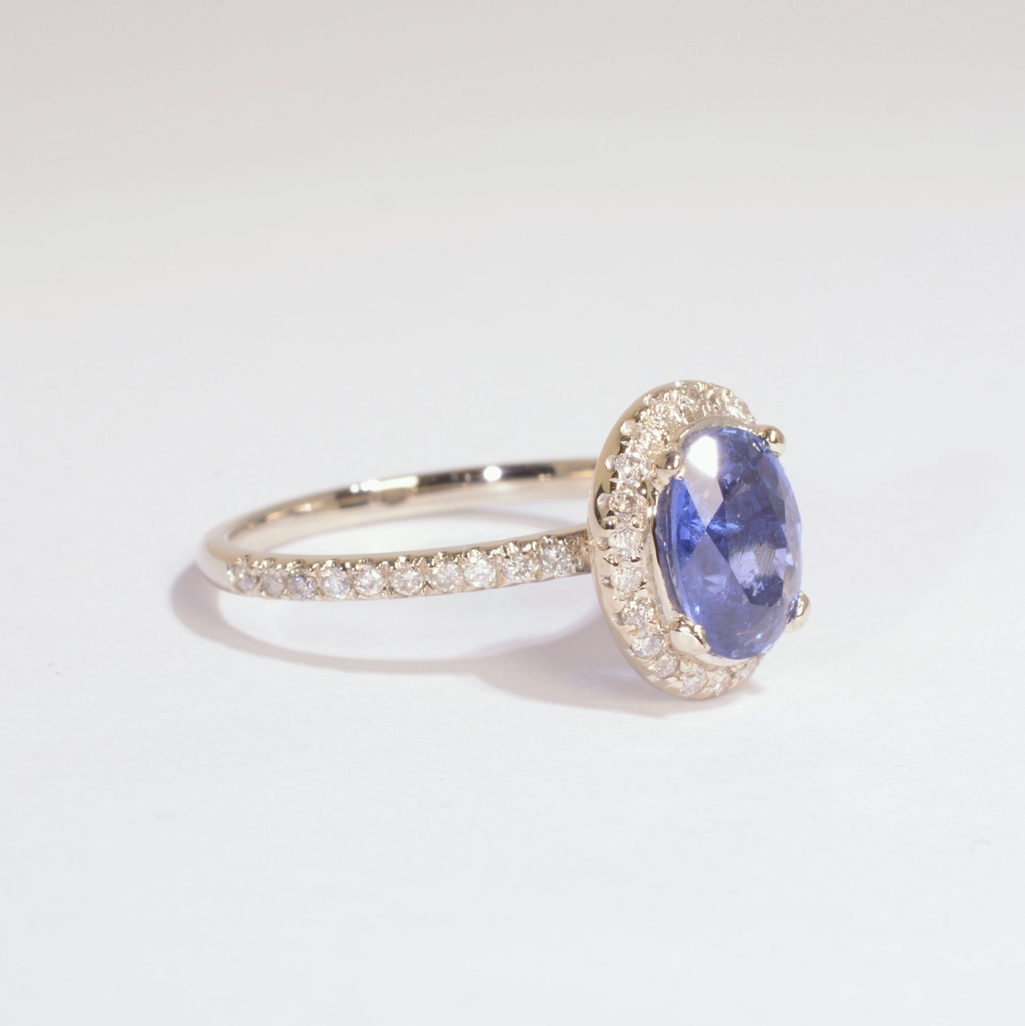 cz g center white engagement ring gold rings product ladies sapphire and with stone blue simon diamond