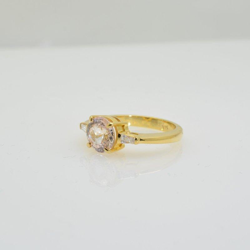 3 stones gold ring