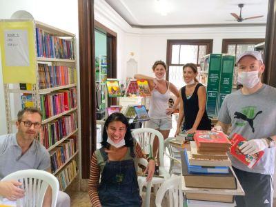 libraryshelves2