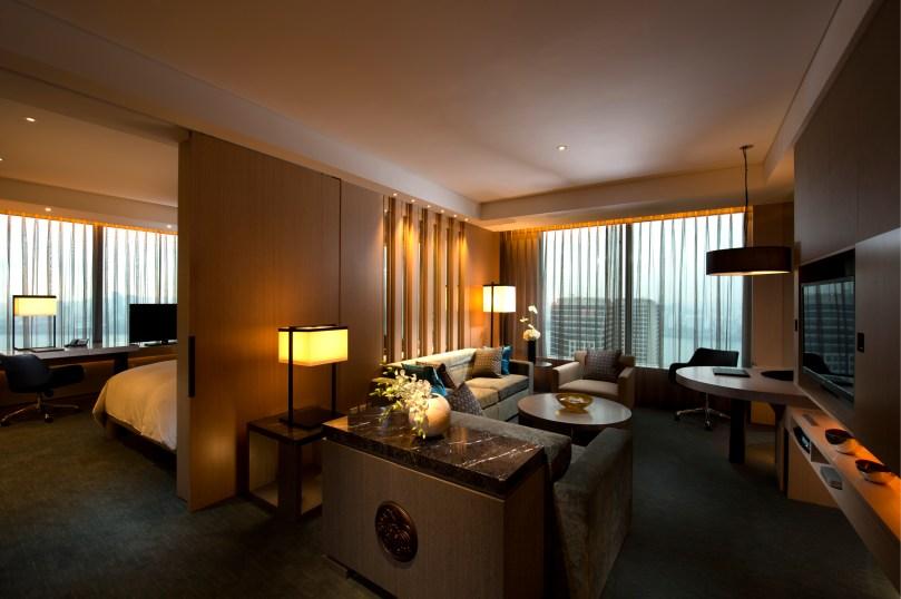Conrad Seoul_Grand King (Executive) Corner Suite_Living Room