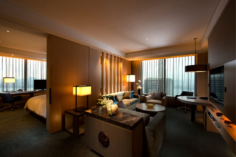 Conrad Seoul_Grand King (Executive) Corner Suite_Living Room