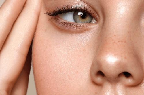 make-up-bag-staples