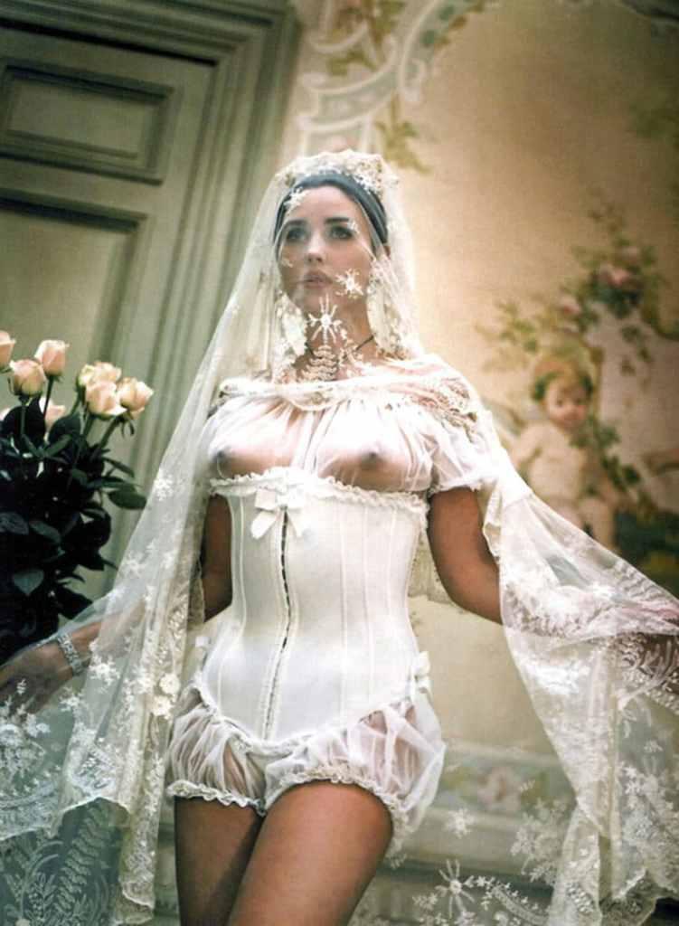Monica Bellucci Nudes