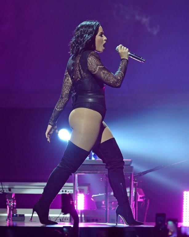 sexy nude Demi Lovato