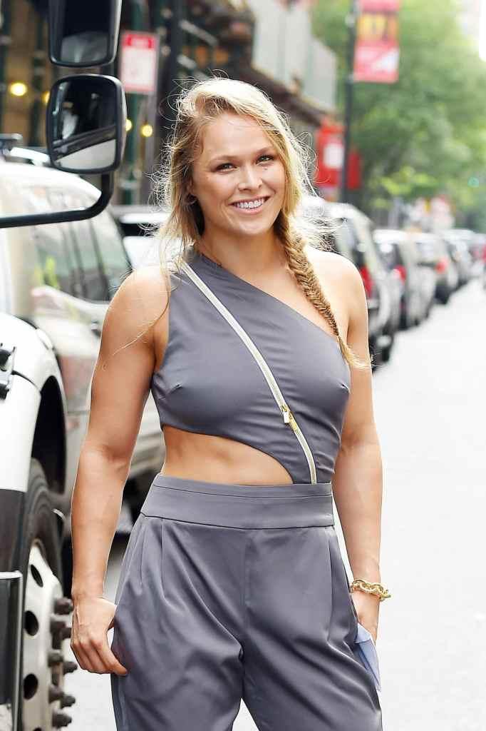 Ronda Rousey Sexy Pics