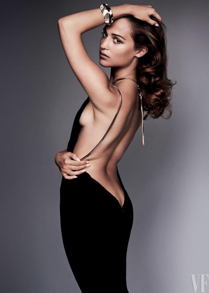 Alicia Vikander Braless Photoshoot – Vanity Fair