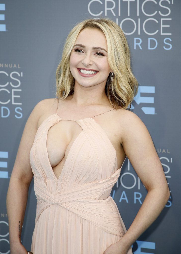 Hayden Panettiere boobs