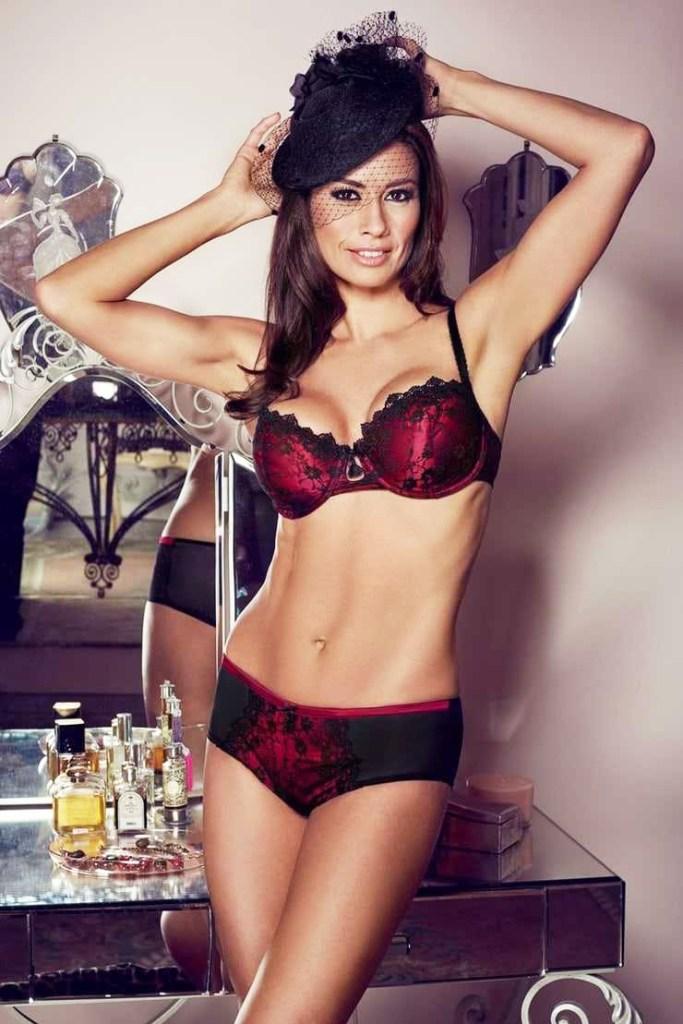 sexy Melanie Sykes photos