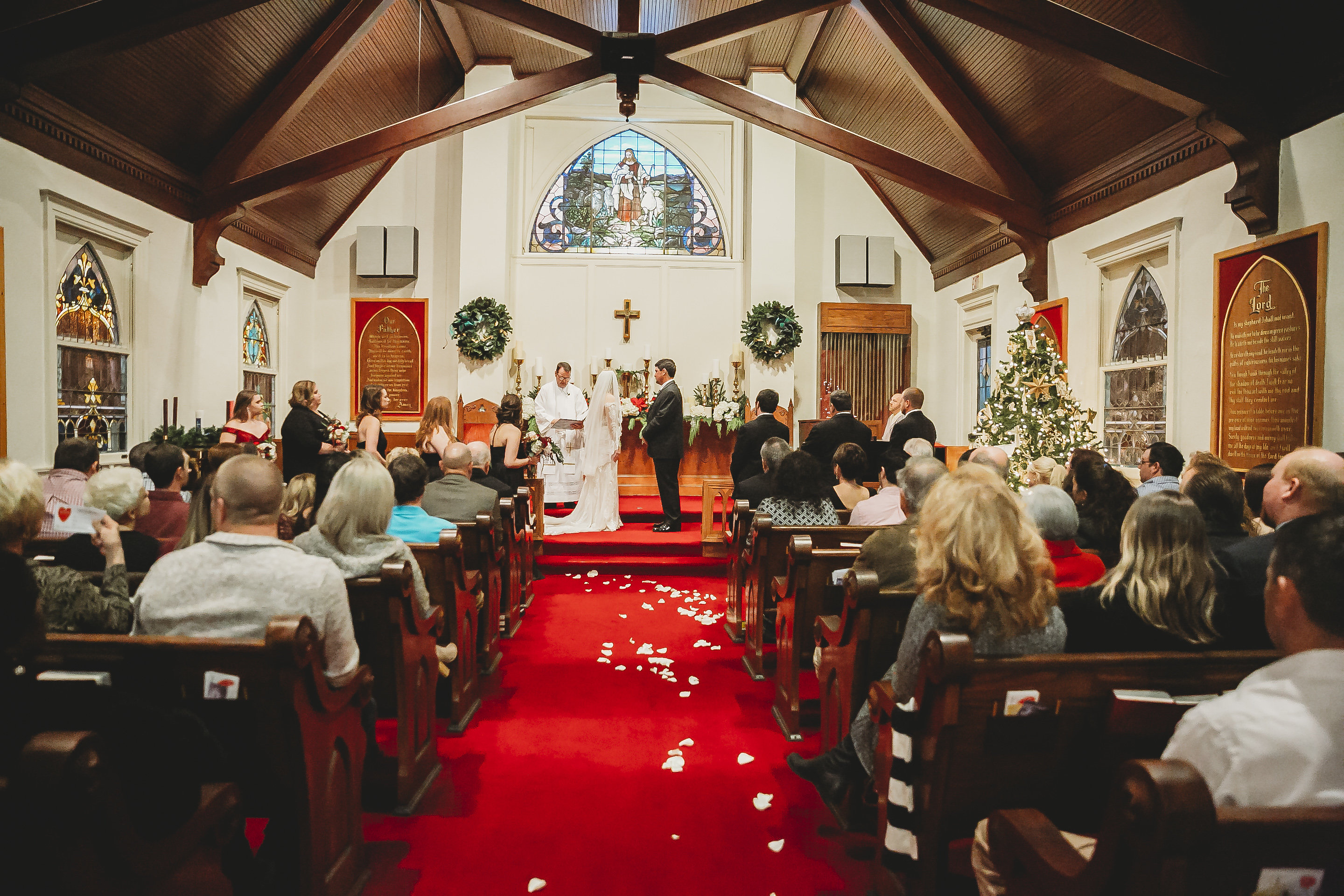 wedding inside All Souls Church scott Arkansas - Ashley Duncan Photography