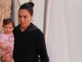 Maya Versano with his mother, Gal Gadot