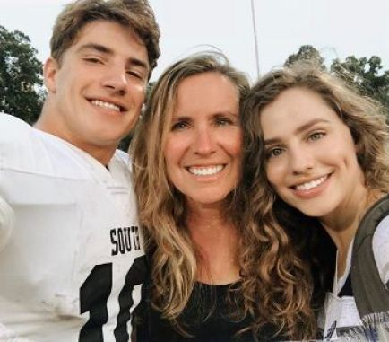 Brooke with her mother and brother