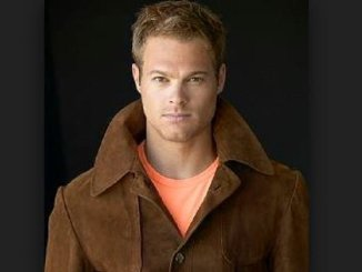 George Stults Bio, Wiki, Net Worth, Married, Age, Friends