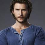 Greyston Holt Wife, Married, Age, Siblings, Height & Net Worth