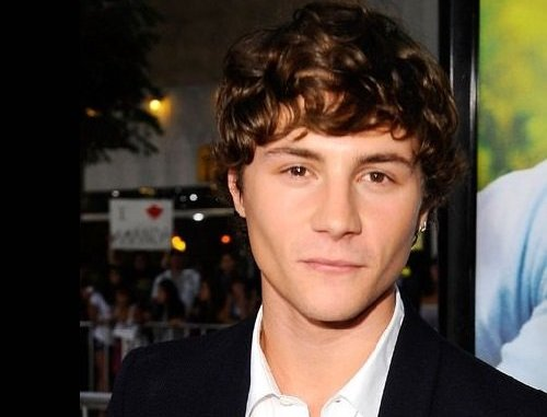 Photo of an actor Augustus Prew