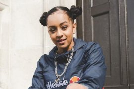 Actress and singer Paigey Cakey photo