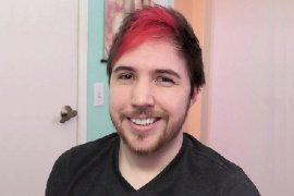 YouTuber Lost Pause