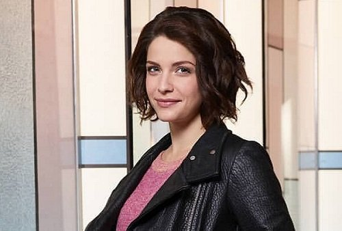 Actress Paige Spara photo