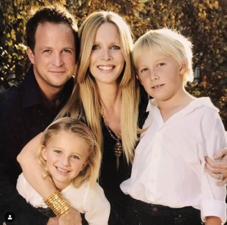Lauralee Bell and her husband, Scott Martin with their children.