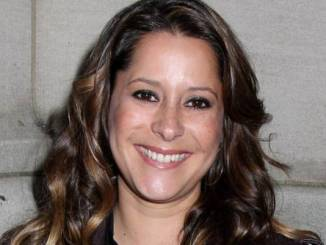 Kimberly McCullough Age, Net Worth, Married, Husband, Baby and Bio