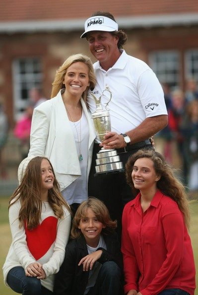 Amanda Brynn Mickelson with her parents and her siblings