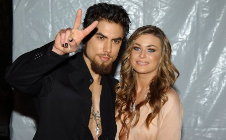 Dave Navarro and his wife Carmen Electra
