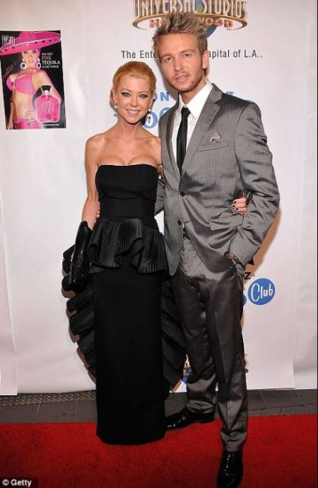 Photo of Tara Reid and her third boyfriend, Michael Lillelund.