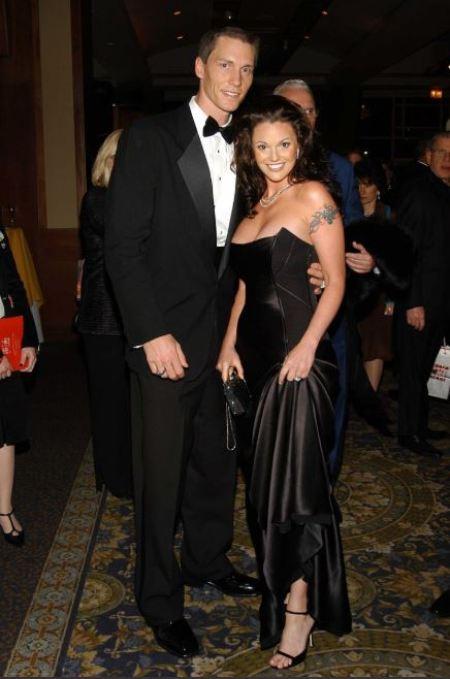 Anna Benson with her husband, Kris Benson.