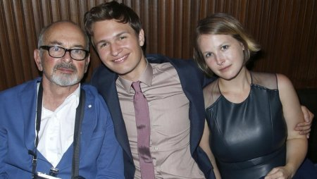 Ansel Elgort with his father and sister