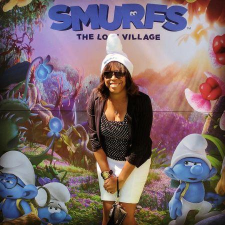 Dora gave additional music for Smurf.