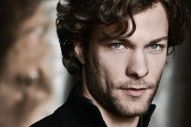 Canadian actor Kyle Schmid